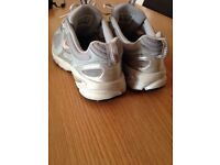Ladies / girls size 6 Nike air trainers pink silver grey