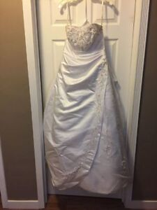 Wedding Dress $400 OBO