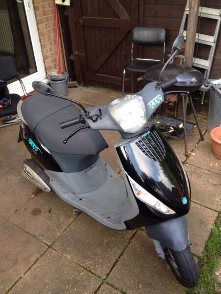 Piaggio zip 2 stroke in excellent condition look