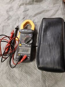 Clamp on Amp Meter/ Reduced