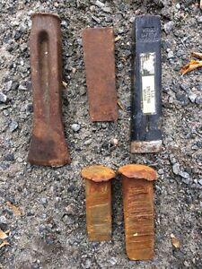 Splitting wedges for wood