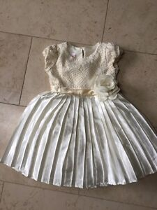 Girls fancy dress sz 5t