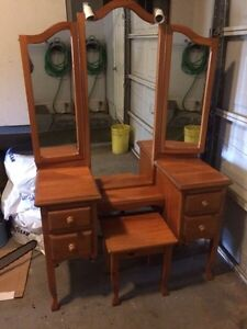 Makeup Vanity with bench and lights