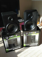 "8"" Mackie MR8 Studio Monitors aka 8"" Speakers - MINT CONDITION"