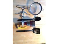 Kitchen ware. Great condition, hardly used