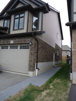 2 bedrooms appartment for rent Close to Conestgoa college & 401