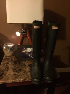 Size 9us women's Real hunter boots