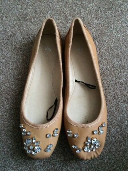 H&M Beige Diamond Pumps Size 3 UK