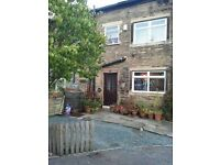 3 Bed Cottage to let with Inglenook Fireplace, Idle, Bradford