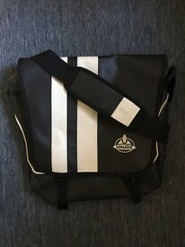 Vaude Bert messenger bag size L in black