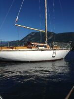 27' Sailboat with Trailer