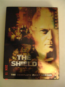 """THE SHIELD"" - COMPLETE 1ST SEASON - 4 DISC DVD COLLECTOR'S SET"