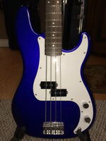 Fender Squire P Bass + Strap and Case