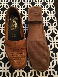 Rieker size EURO 38. Woman's shoes. Never worn  London Ontario image 3