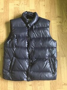 Size medium Roots men's vest