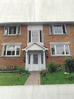 Duplex 71/2 à louer rdcmétro cartier Laval juillet
