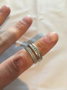 White gold wedding band set