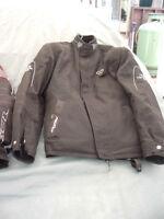 Manteau pour moto Marque IXON femme 9 ans. Comme neuf, une doub