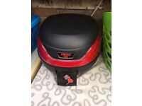 Motorcycle Top box with mounting bracket