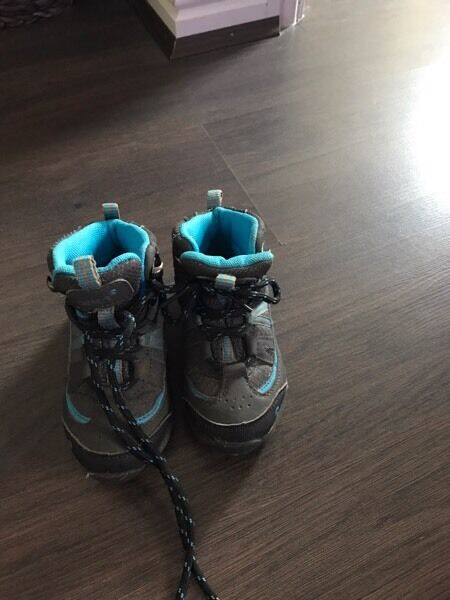 Kids walking boots