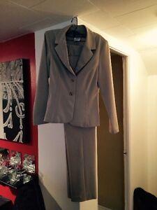Haut  chemise,robe,culotte,ceinture pour femme