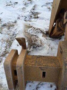 Caterpillar D7 R --multi shank ripper Edmonton Edmonton Area image 2
