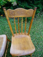 PAIR OF ANTIQUE COUNTRY CHAIRS