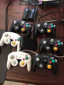 3 manettes 1 adapteur wii u 2 cables Turbo