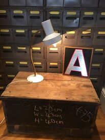 Vintage retro kitsch white gold gooseneck anglepoise industrial desk lamp light