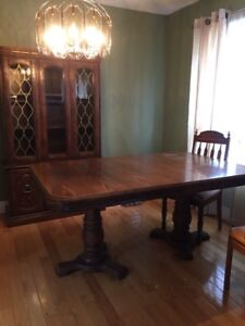 Free curb alert dinning table