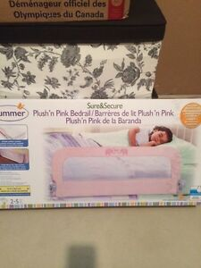 Summer bed rail in mint condition!