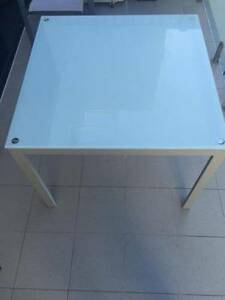Freedom Furniture Table Maroubra Eastern Suburbs Preview