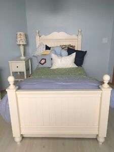 White Trundle Bed For sale!!
