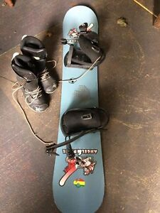 Great Snowboard and boots size 7.5 Mens