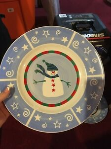 Christmas dish set  Kitchener / Waterloo Kitchener Area image 1