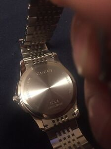 Brand new Gucci watch never wore  Cambridge Kitchener Area image 4