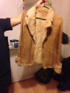 Women's Danier leather coat Oakville / Halton Region Toronto (GTA) image 1
