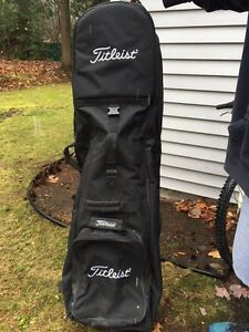Titleist  travel cover for golf/ sac de golf pour voyage  West Island Greater Montréal image 1