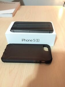 Black - 32GB IPhone 5s and case.