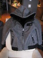 Manteau court et réversible de marque Vexy