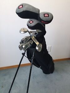 WOMEN'S RH WILSON GOLF Club Set W/ stand up bag