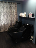 Commission or Chair Rent In Trendy Salon