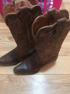 Brand new Cowgirl Boots (Justin Boots Brand)