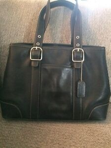 Coach leather black purse...medium sized
