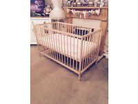 John Lewis cot and mattress in excellent condition like new