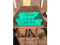 Supermarket stackable euro crates