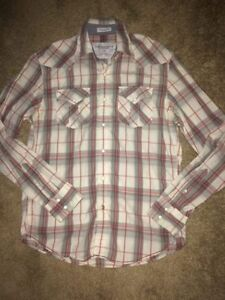 Men's American Eagle Button up Top-Size Small