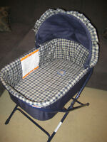 Fold Flat Bassinet with Sheets