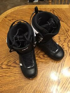 APX snowboarding boots