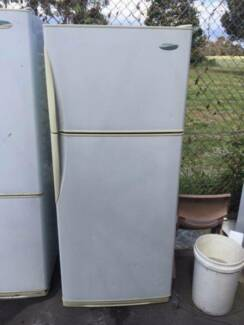 great working 390 liter freestyle westinghouse l fridge, can deli